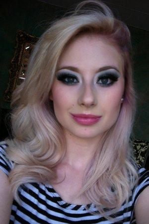Used: MAC Steamy  MAC Plumage MAC Vanilla  MAC Phloof! CS Incognito  CS Lakeshore  MAC Angel lipstick