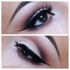 Pin-Up Eye Makeup
