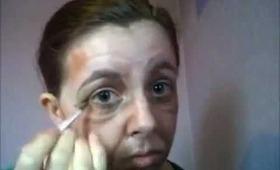 Make yourself old using makeup
