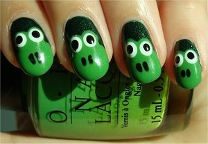 Frog Nails Nail tutorial & more photos here: http://www.swatchandlearn.com/nail-art-tutorial-frog-nails/