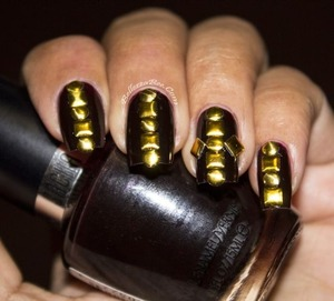 http://www.bellezzabee.com/2013/05/nail-challenge-day-20-texture.html