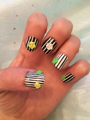 Haven't uploaded any nail designs in some weeks now! Here's one I quickly did for work tomorrow :)