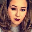 Berry makeup