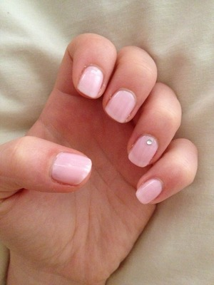 Baby pink and rhinestone - just cute 💗