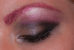smokey eye with red brows