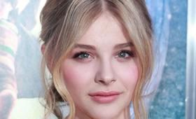 """Chloë Moretz Makeup, """"Hugo"""" Premiere"""