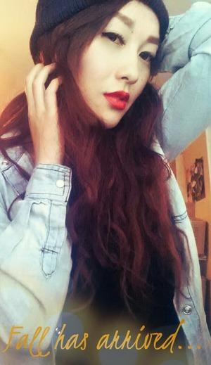 red lipsticks&beanie