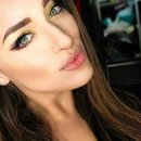 Makeup gold and cat eyes
