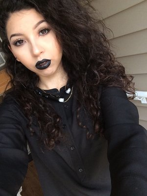Copper eyes with a bold black lip. #Sephora