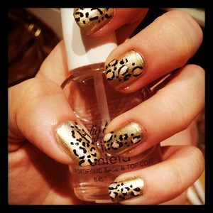 Gold and pink leopard print