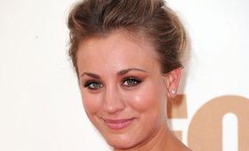 Kaley Cuoco Beauty, Emmy Awards 2011