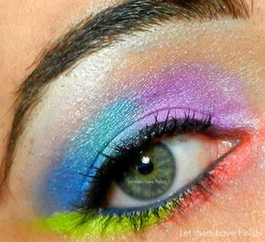 A playful mermaid inspired look with the Aquatenea Palette