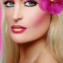 Hawaii vibrant lips