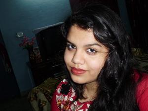 red lips wavy hair light eyes! iam good to go! :) <3 <3 <3