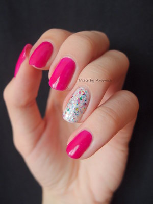 http://arvonka-nails.blogspot.sk/2014/08/vesela-letna-manikura.html