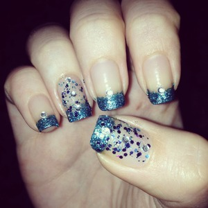 My nails 💙 Do you like it?? 😊
