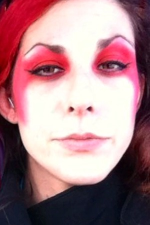 I don't have an Awesome red pigment yet, but it's on my list... I used Bloody Mary here.