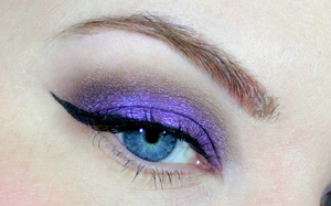 here's an eye close up of the makeup from my Purple Haze tutorial