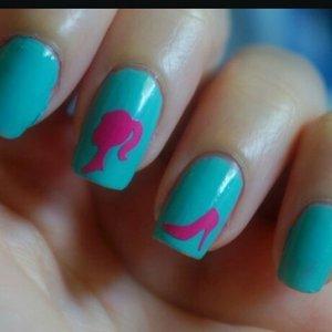 www.bellakulture.com/2014/12/mani-monday-nail-designs.html