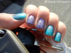 http://thecateyeshaveit.blogspot.com/2012/06/prismatic-nails.html