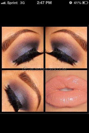 This is a beautiful look for a night out.