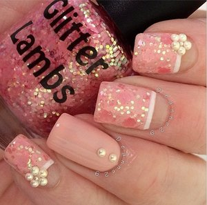 This glitter topper is called Cotton Candy Fluff and is worn by @Deanne29.