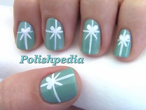 I love Tiffany's jewelry and as a hint for my husband to get me Tiffany's for Christmas I did this nail art design!