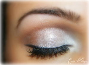 Snow bunny look Using Pure fusion Mineral Eyeshadows in Winter on the lid french cafe on the crease white velvet as brow highlight