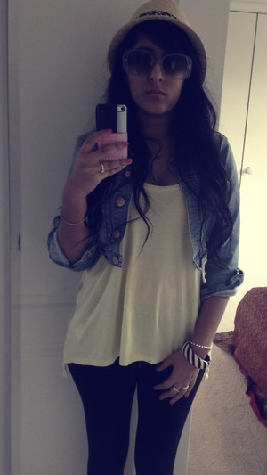 Forever 21 jacket, top and fedora New Look Bangle New Look leggings Gucci sunglasses circa 2006