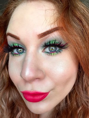 Sugar spice and everything...fruity?! Yuuuppp, that's right, just began another series, in specific the Fruit Series!! Hope you beauties enjoy, if anything list below some fruits you'd like me to recreate makeup wise.  http://theyeballqueen.blogspot.com/2016/07/watermelon-inspired-vibrant-glittery.html