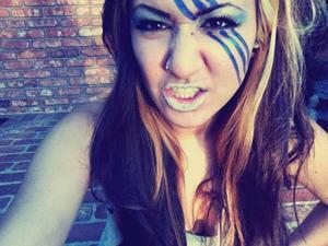 Ke$ha inspired make up with a Shimmery blue smokey eye, false lashes & glitter lips!