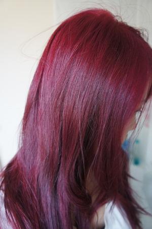 DIY Home Hair colour using Schwarzkopf Igora Royal Intense Hair Dye. More at www.kakabeautyblog.com
