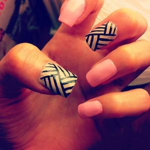 Nails. Pink.