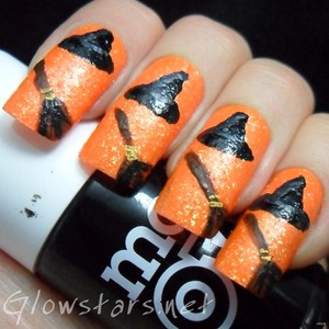 To find out more about this mani visit http://glowstars.net/lacquer-obsession/2012/10/the-digit-al-dozen-does-halloween-witches