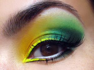 "part of my ""chloro-phull"" makeup look :)) http://www.maryammaquillage.com/2012/06/chloro-pheeling.html"