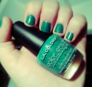 Abit late.....yes......but i love this colour!!!   So inexpensive!!! 99p!!!?? Aaarrrhghhh!!!!!