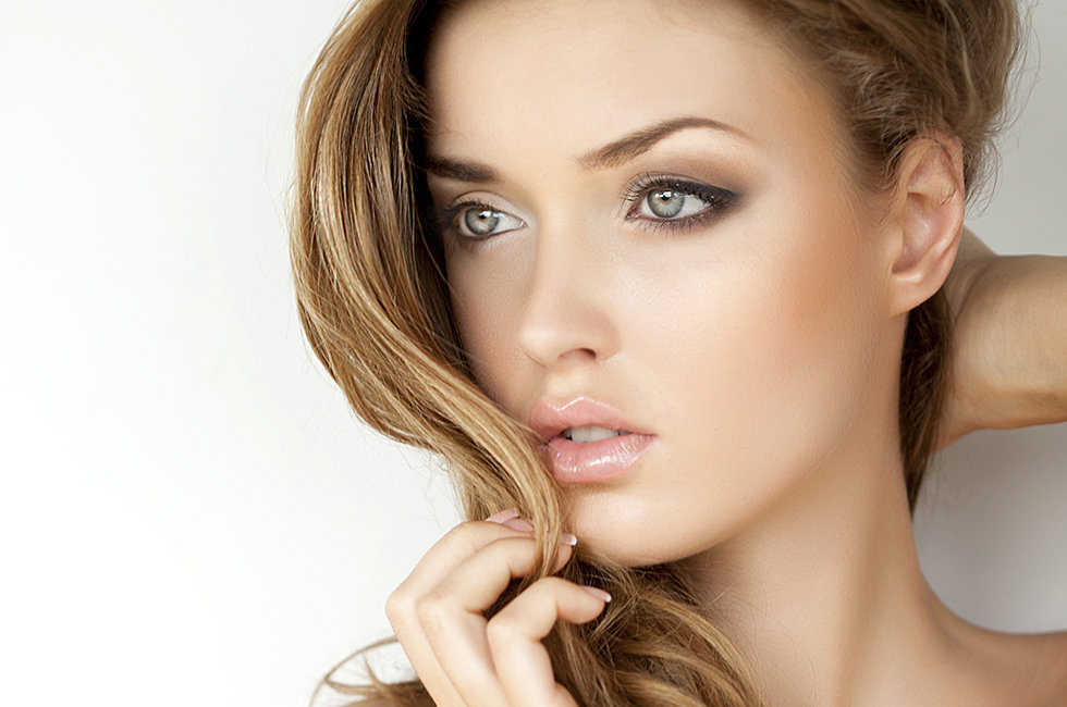 Dry Hair Highlights A Hot Mess Try These Shine Restoring