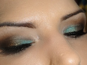neutral & teal eyes
