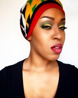 Cornbread and Greens- 💚 @bhcosmetics  88 cool matte eyeshadow palette, @maccosmetics NC45 foundation, concealer, and setting powder, blush in razin, @maybelline Illegal Length in blackest black, @nyxcosmetics eyeshadow primer in vivid white