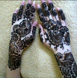 The natural and beauty of Henna Tattoo.