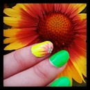 Starburst / Daisy inspired nail