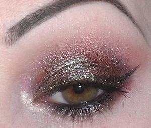 Green-brown smoky eye.