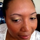 Wearable daytime gold eye look
