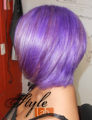Kelly Osbourne inspired hair color... I did it a little bit darker than the original for the color last longer... Love the final results! Soon I'll gonna upload some photoshoot with this color!