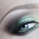Green and Brown Smokey Eye