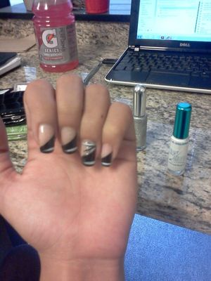 Doing my nails at work... who'da thunk it?