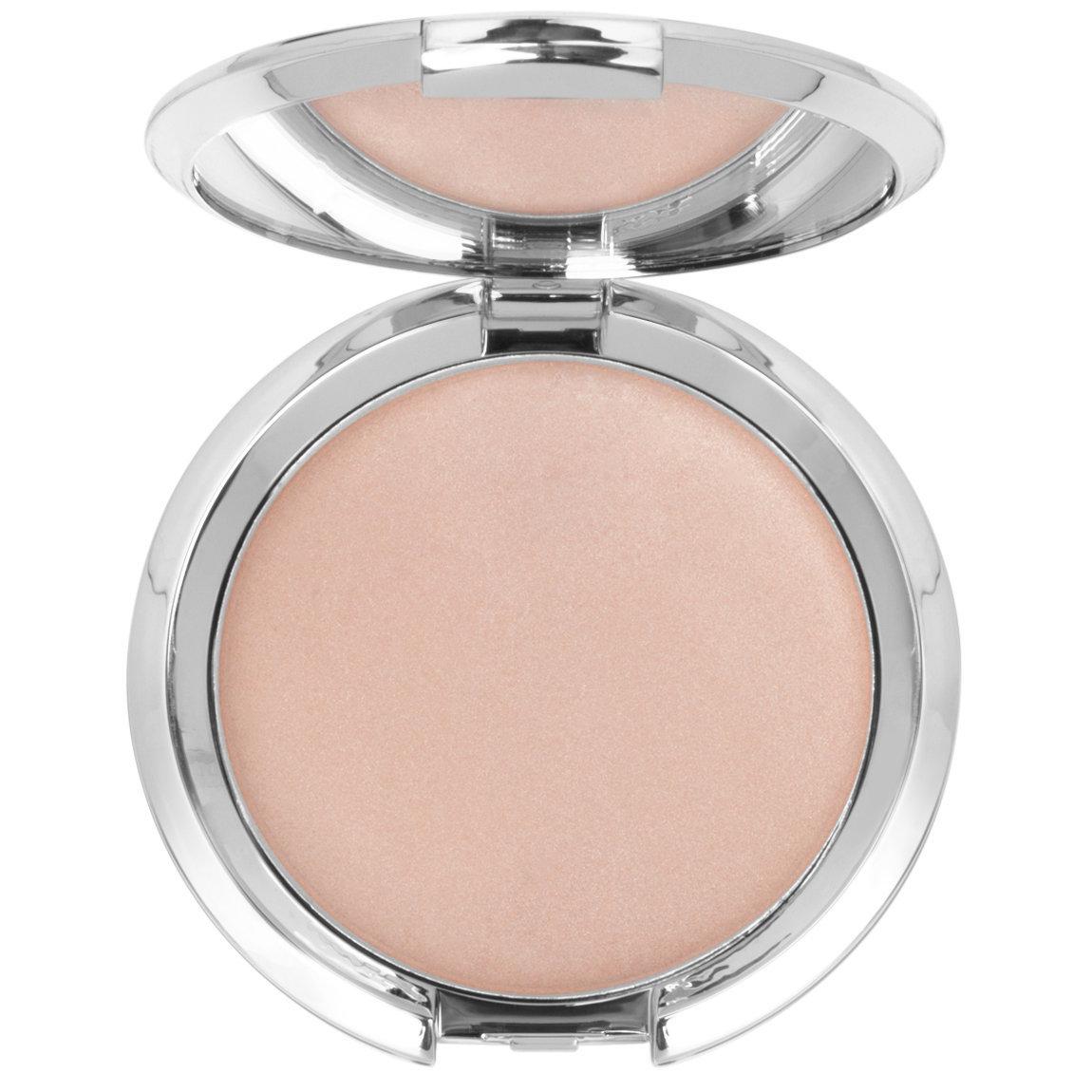 IT Cosmetics  Hello Light Anti-Aging Crème Illuminizer product swatch.