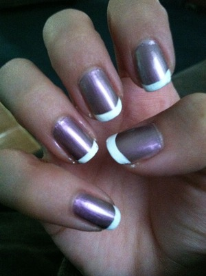 COLOR CHANGING NAIL POLISH WITH WHITE TIPS