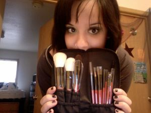 My brand new bh cosmetics brush collection! *dies* sooooo pretty and softtt :) I'm gonna play with some looks tonight