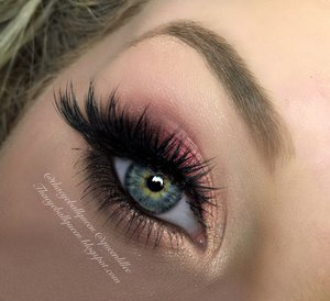 Just an easy going pink makeup look for everyday wear or super glam events for the upcoming holidays! http://theyeballqueen.blogspot.com/2015/12/sultry-pink-holiday-makeup-tutorial.html